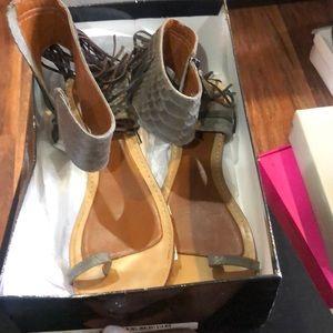 Boutique 9 Fringe one toe flats